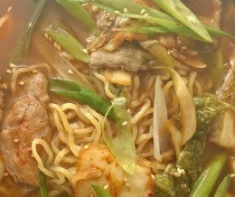 Late lunch: pork & kimchi ramen @ EboshiNoodleBar, Lomita – ExtremeCloseup