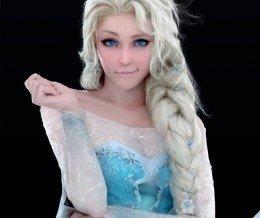 Weekend #Art: #Elsa from #Frozen, in real-life? Digital art by Landy Andria: jiyu-kaze.deviantart.com