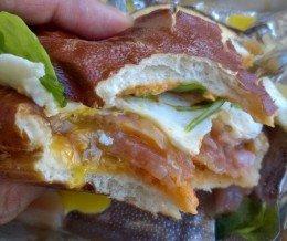 #Brunch: #Pretzel #Egg #Sandwich @ #DelReyDeli, #PlayaDelRey
