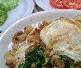 #Breakfast: #ChickenSkillet w/ #tomatoes & #avocado @ #NatsWestCafe, #WestHills