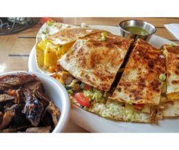I have the meats! #BBQ #quesadilla with a side of #brisket @ #LennysSmokehouse, #Chatsworth