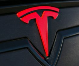 """#Tesla CEO #ElonMusk recently explained the meaning of the """"T"""" logo. Curious? ➡️ LINK IN OUR BIO"""