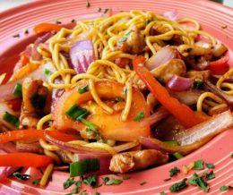 Yummy 😋 #Tallarin de pollo @ #InkaWasi, #RollingHillsEstates. We ❤️ design and marketing for restaurants! info@mediacookery.com #kwonshare