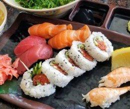 Mmmm… 🍥 #sushi! We ❤️ design and marketing for restaurants! info@mediacookery.com